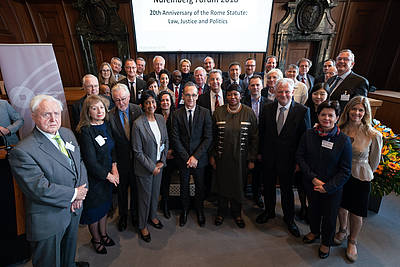 The participants of the Nuremberg Forum 2018 with German Federal Minister for Foreign Affairs Heiko Maas and ICC Prosecutor Fatou Bensouda